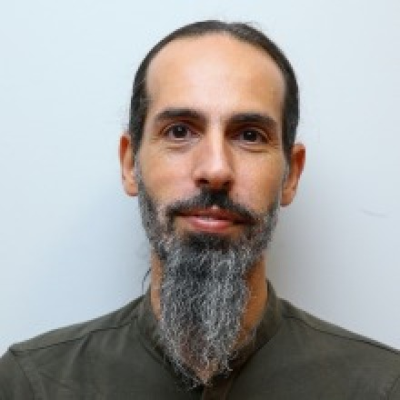 Dr. Avi Benozio